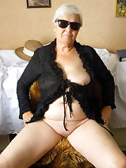 Old granny likes to strip off